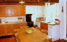 Lovely family dining kitchen, fully equipped