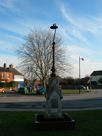 Queens Silver Jubilee Monument © Peggy Cannell