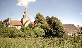 Alfriston Parish Church and The Clergy House © Diana Hitchin