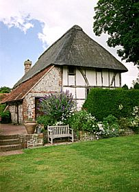 Alfriston Clergy House, first building owned by the National Trust © Diana Hitchin