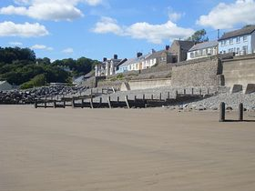 Amroth from the beach © Wayn and Sue Davies