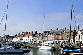 Anstruther Harbour © John McLeish www.images-scotland.com