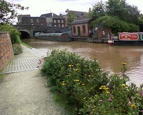 Atherstone Canal Coal Merchant © Rowena Burgin