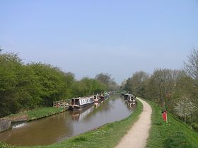 Shropshire Union Canal towpath at Audlem © Jan Rutgers