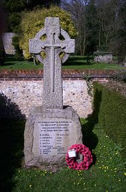 War Memorial © Anthony Penny