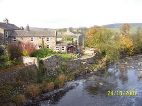 Bainbridge and the river Bain © Philip Cookson