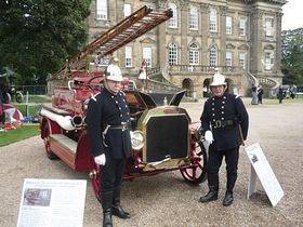 Antique car rally Duff House Banff © Michael Cox