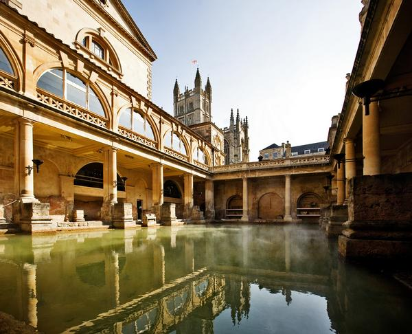 Quadrangle supported by pillars surrounds the Roman Baths in Bath