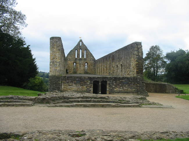Remains of Battle Abbey ©  Kevin Dyke