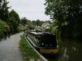 Looking up the Canal to the Lock Inn in Bradford-on-Avon. © Emma Marshall