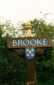 Village Sign on the Green © Peggy Cannell
