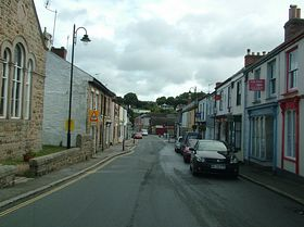 Road in Chacewater © Dave Quinnell
