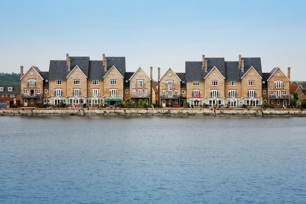 Houses and Apartments by the Quayside in Chatham