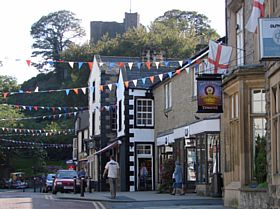 Clitheroe © Jeffrey Darlington