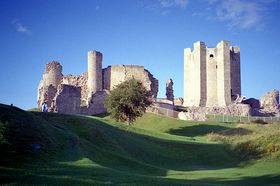 Conisbrough Castle © Linda Gamston