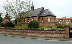 Holy Innocents Church ©  Barry Schofield