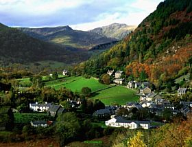 Corris Village and Cader Idris Mountain in Background © Kevin Richardson