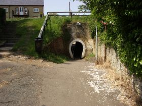 Horse tunnel under the Grand Union Canal © Richard Gibbs