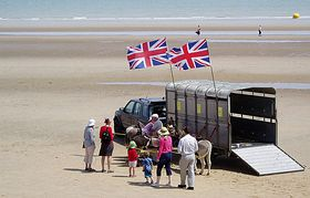 Donkey rides on the beach at Dymchurch (c) Ian Dunster via Wikimedia Commons
