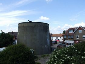 Martello Tower no.24, Dymchurch (c) Chris via Wikimedia Commons