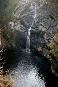 The Falls Of Foyers reached by a steep path in the centre of the village © S Lewry