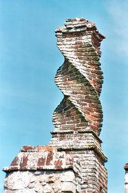 Twisted chimney © David Oakley-Hill
