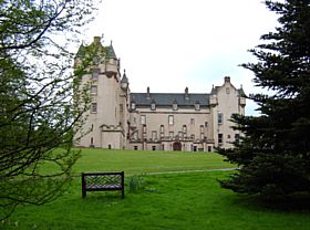 Fyvie castle side view © Margareta Brogardh
