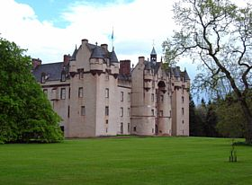 Fyvie castle front/side view © Margareta Brogardh