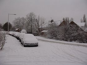 Snow bound at Great Linford © Eileen Goodall