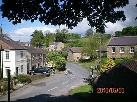 Grewelthorpe village © Philip Cookson