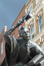 The Scholar statue in the High Street © Sue Waugh