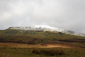 Snow on Pen - y - Ghent © Mr Philip Moon ( Hkt,B )