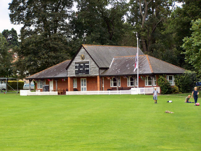 The Cricket Club ©  © Trever Saunders