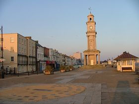 Herne Bay, waterfront, early morning, April - © Andrew Nash