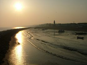 Herne Bay, looking East across harbour from harbour entrance - © Andrew Nash