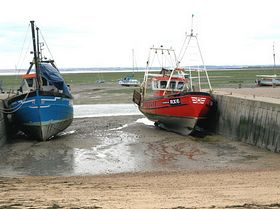 Leigh on Sea fishing boats © Fred Newman