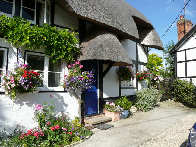 Thatched Cottage in Letcombe Regis