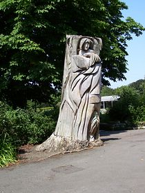 Tree carving,West Park © Phil Smith