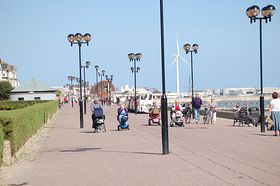 Lowestoft from Marine Parade © Colin Jackson