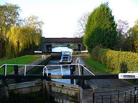 Misterton Low Lock, Chesterfield Canal © Clive Burton