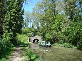 Newbold canal tunnel on the Oxford canal © Jim Payler