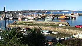 Newlyn Old Quay © Anne Tuplin