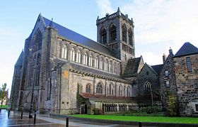 Paisley Abbey © John McLeish www.images-scotland.com