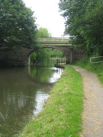 The Leeds and Liverpool canal © Claire and Tony Wakefield