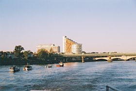 Looking back to Putney Tube Bridge and Putney Bridge from ferry towards London © J Holland