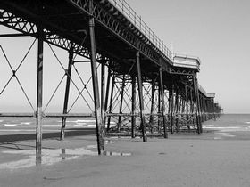 Queens Pier © Christopher Jones Photography 2007