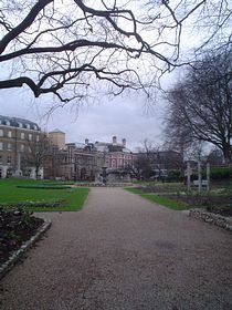 Forbury Gardens Reading © Anna Grist