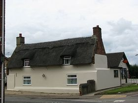 Thatched House opposit the Pub © Peggy Cannell