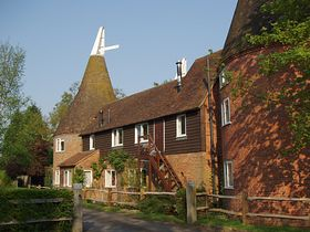 Gillets Farm Oast, Water Lane © Laura Hawken
