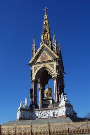 Albert Monument © Larry Taylor